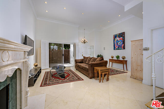 Photo of 1131 Alta Loma Rd #602, West Hollywood, CA 90069