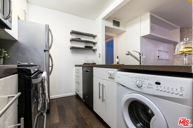 Photo of 141 S Clark Dr #111, West Hollywood, CA 90048