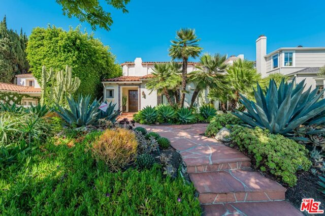 Photo of 466 S Camden Dr, Beverly Hills, CA 90212