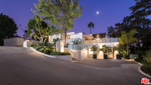 Photo of 920 Foothill Rd, Beverly Hills, CA 90210