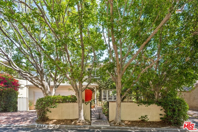 Photo of 3422 Waverly Dr, Los Angeles, CA 90027