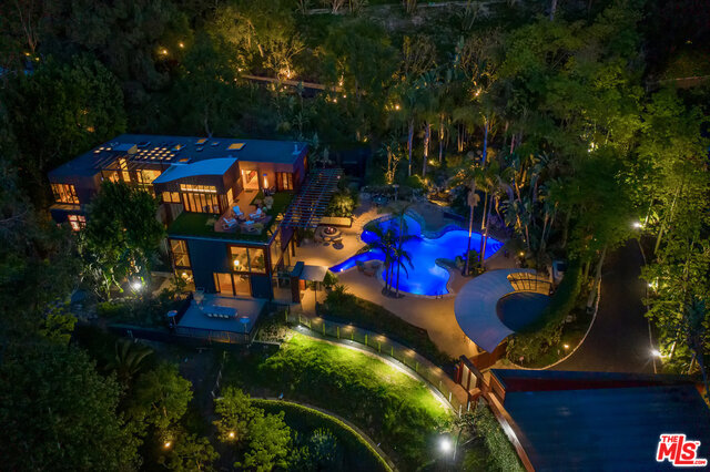 Photo of 12835 Mulholland Dr, Beverly Hills, CA 90210