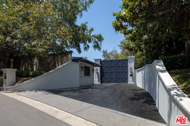 Photo of 271 S Mapleton Dr, Los Angeles, CA 90024