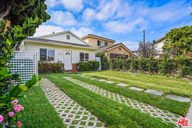 Photo of 12940 Gilmore Ave, Los Angeles, CA 90066