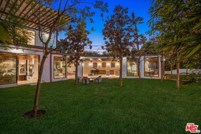 Photo of 2576 Aberdeen Ave, Los Angeles, CA 90027
