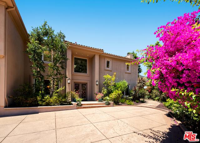 Photo of 1607 N Bundy Dr, Los Angeles, CA 90049
