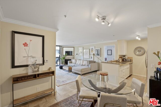 Photo of 7320 Hawthorn Ave #307, Los Angeles, CA 90046