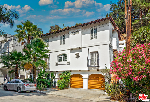 Photo of 2606 Canyon Dr, Los Angeles, CA 90068