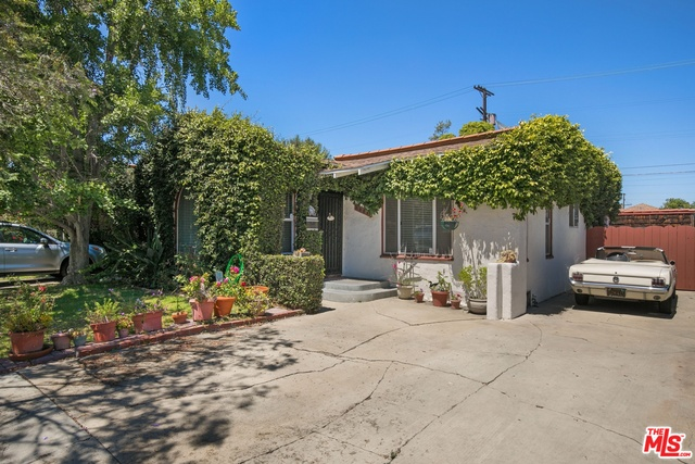 Photo of 3954 Mclaughlin Ave, Los Angeles, CA 90066