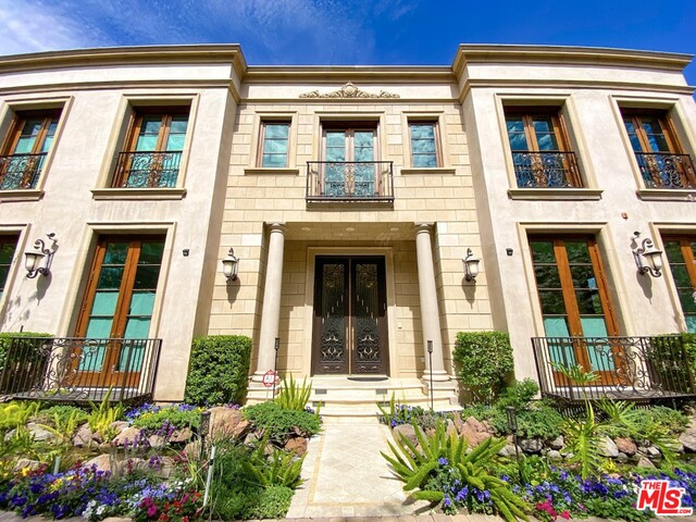 Photo of 622 N Rodeo Dr, Beverly Hills, CA 90210