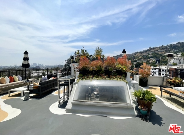 Photo of 1412 N Crescent Heights Blvd #202, West Hollywood, CA 90046