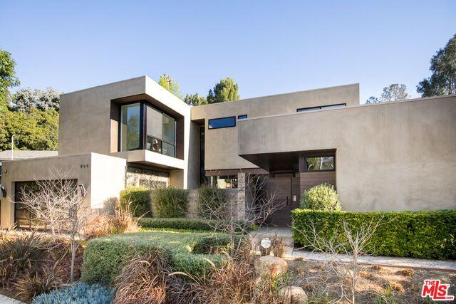 Photo of 868 Leonard Rd, Los Angeles, CA 90049