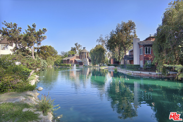 Photo of 9105 Summertime Ln, Culver City, CA 90230