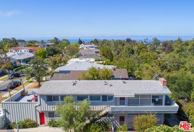 Photo of 677 Las Lomas Ave, Pacific Palisades, CA 90272
