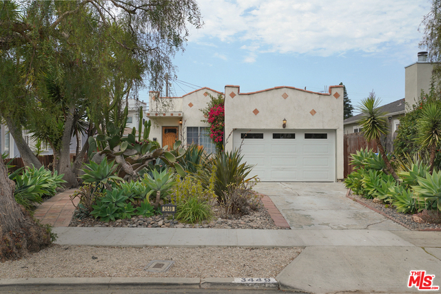 Photo of 3449 Redwood Ave, Los Angeles, CA 90066