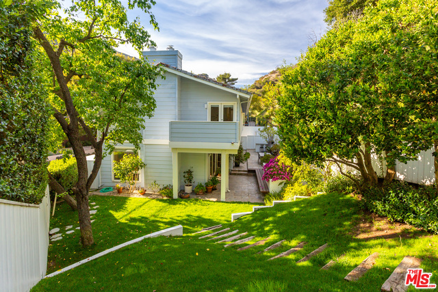 Photo of 2960 Mandeville Canyon Rd, Los Angeles, CA 90049