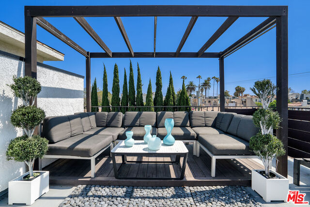 Photo of 839 S Holt Ave #107, Los Angeles, CA 90035