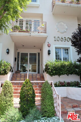Photo of 10630 Eastborne Ave #205, Los Angeles, CA 90024