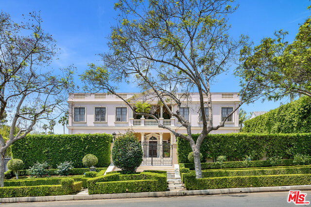 Photo of 705 N Alta Dr, Beverly Hills, CA 90210