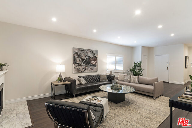 Photo of 317 S Holt Ave #2G, Los Angeles, CA 90048