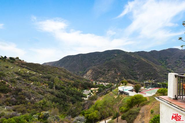 Photo of 1940 Palisades Dr, Pacific Palisades, CA 90272