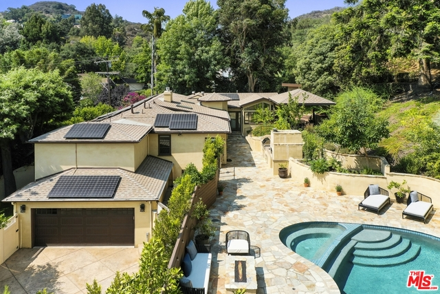 Photo of 2024 Benedict Canyon Dr, Beverly Hills, CA 90210