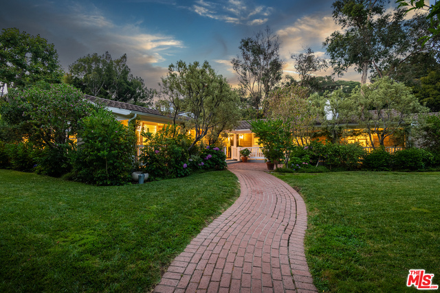 Photo of 120 Homewood Rd, Los Angeles, CA 90049