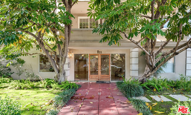 Photo of 855 S Wooster St #406, Los Angeles, CA 90035