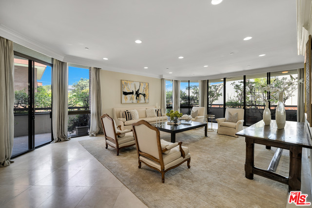 Photo of 300 N Swall Dr #152, Beverly Hills, CA 90211