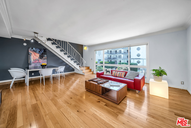 Photo of 11646 Chenault St #15, Los Angeles, CA 90049