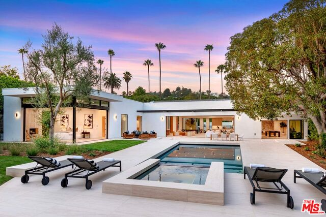 Photo of 410 Doheny Rd, Beverly Hills, CA 90210