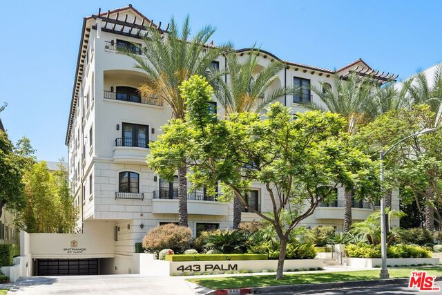 Photo of 443 N Palm Dr #402, Beverly Hills, CA 90210
