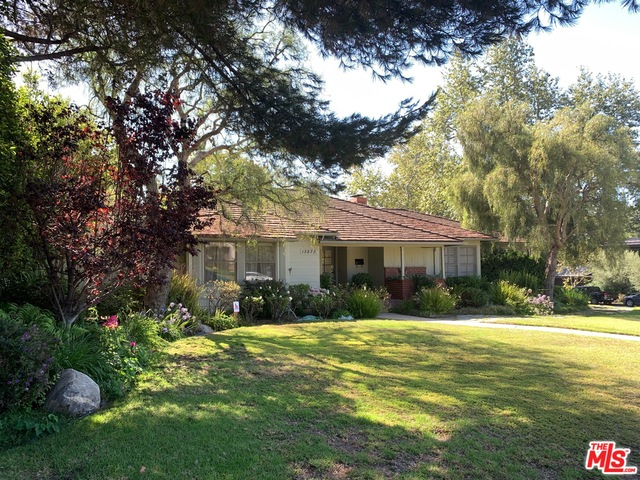 Photo of 13878 W Sunset Blvd, Pacific Palisades, CA 90272