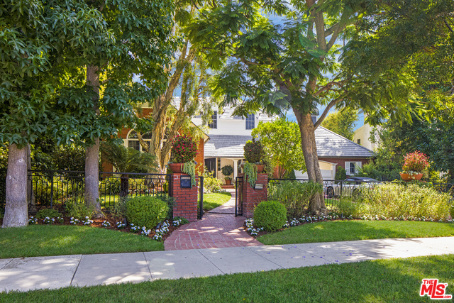 Photo of 718 N Rexford Dr, Beverly Hills, CA 90210