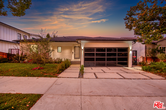 Photo of 2116 S Canfield Ave, Los Angeles, CA 90034