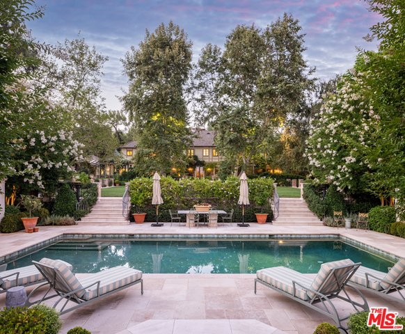 Photo of 1201 Tower Grove Dr, Beverly Hills, CA 90210