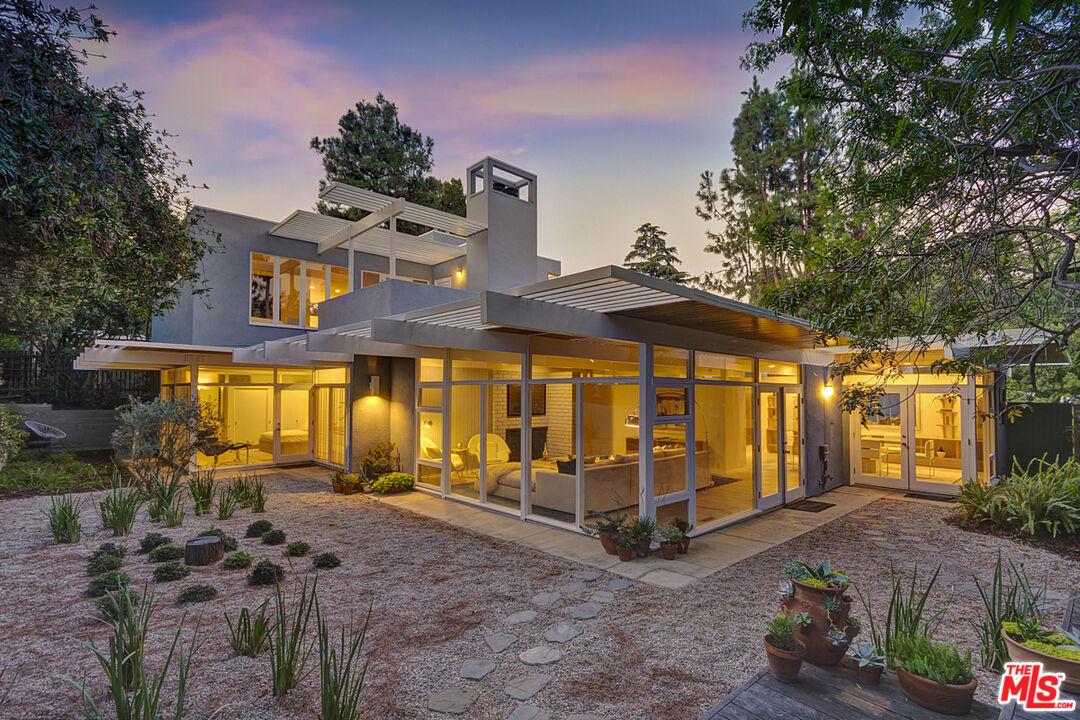 Photo of 2945 Nichols Canyon Rd, Los Angeles, CA 90046