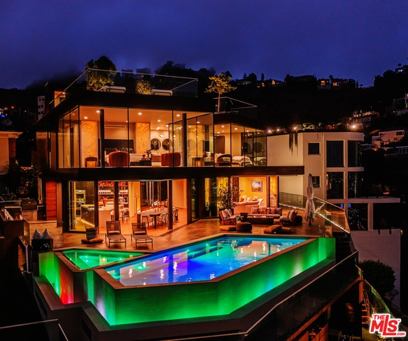 Photo of 8542 Hollywood Blvd, Los Angeles, CA 90069