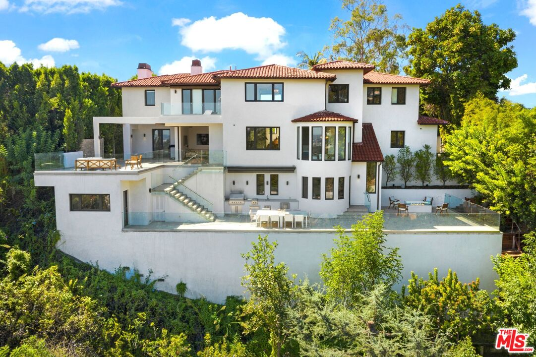 Photo of 1280 Angelo DR, BEVERLY HILLS, CA 90210