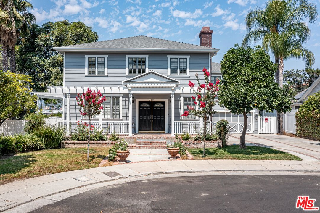 Photo of 4957 W Melrose Hill, Los Angeles, CA 90029