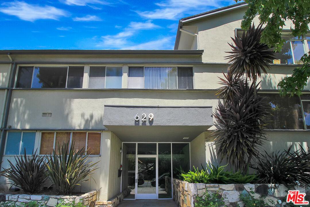 Photo of 629 Idaho Ave #14, Santa Monica, CA 90403
