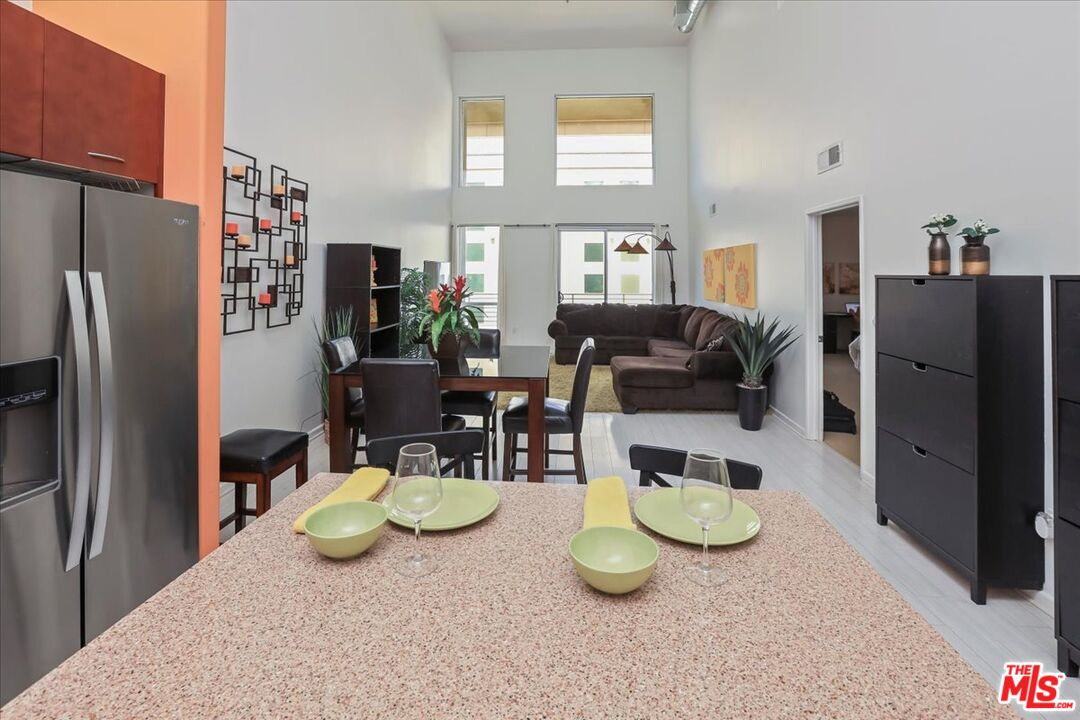 Photo of 250 N First St #411, Burbank, CA 91502