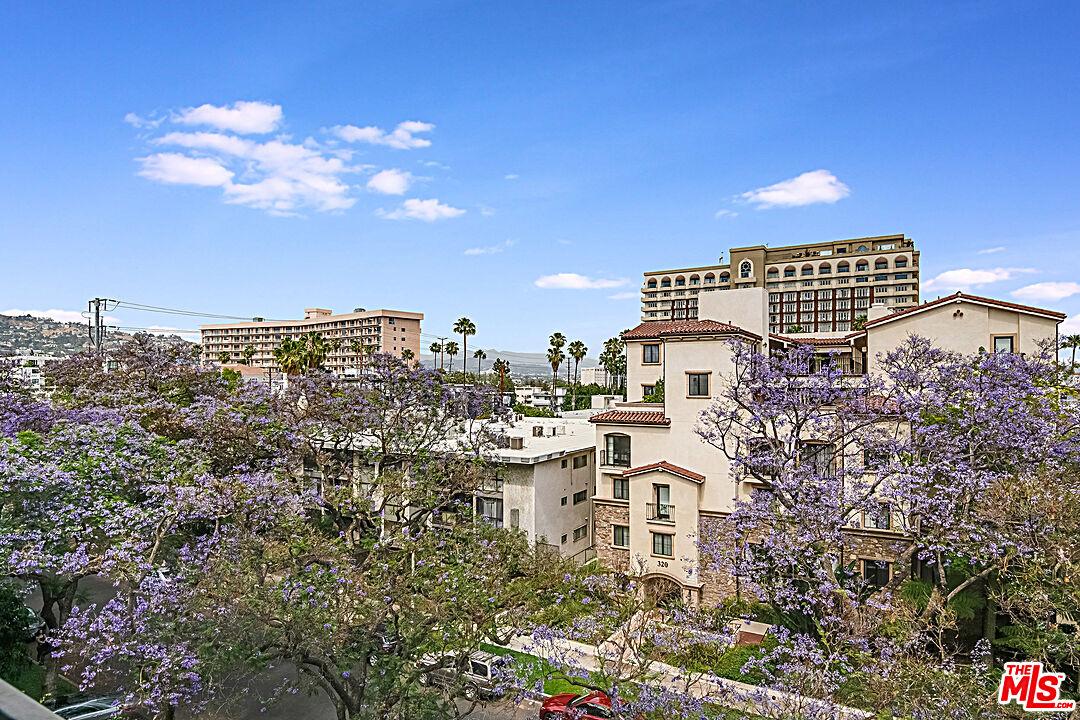 Photo of 321 N Oakhurst Dr #506, Beverly Hills, CA 90210