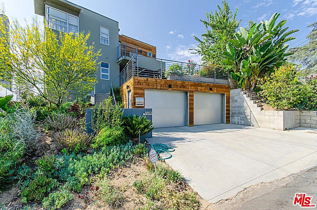 Photo of 2053 Park Dr, Los Angeles, CA 90026