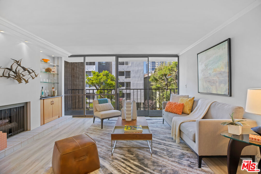 Photo of 10966 Rochester Ave #2B, Los Angeles, CA 90024