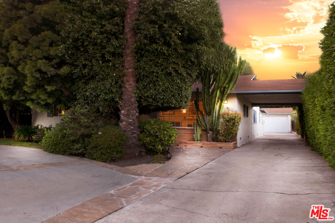 Photo of 12119 W Sunset Blvd, Los Angeles, CA 90049