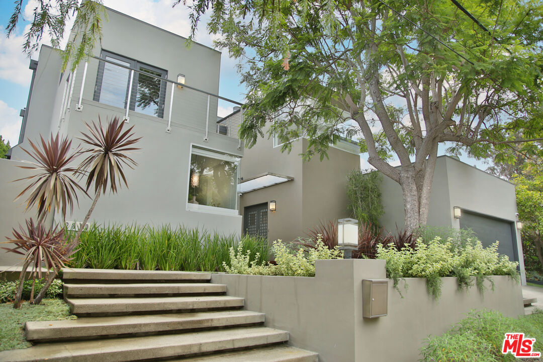 Photo of 2870 Anchor Ave, Los Angeles, CA 90064