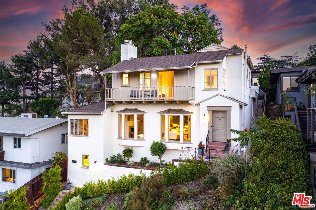 Photo of 2035 Kenilworth Ave, Los Angeles, CA 90039