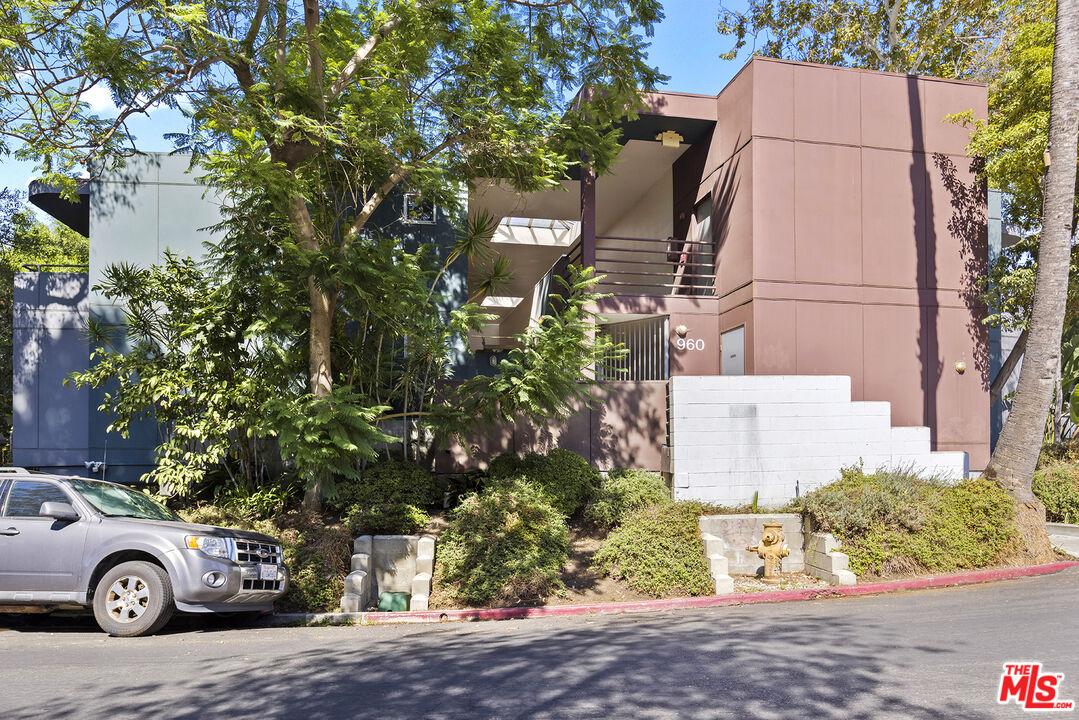 Photo of 960 Sanborn Ave #2, Los Angeles, CA 90029