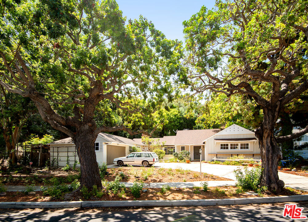 Photo of 2671 Anchor Ave, Los Angeles, CA 90064